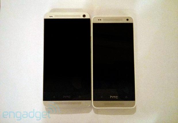 htc One mini à droite à côté du HTC One