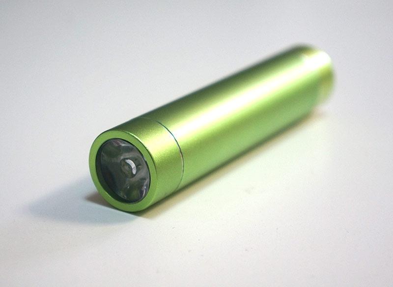 pile lampe de poche pour recharger son smartphone